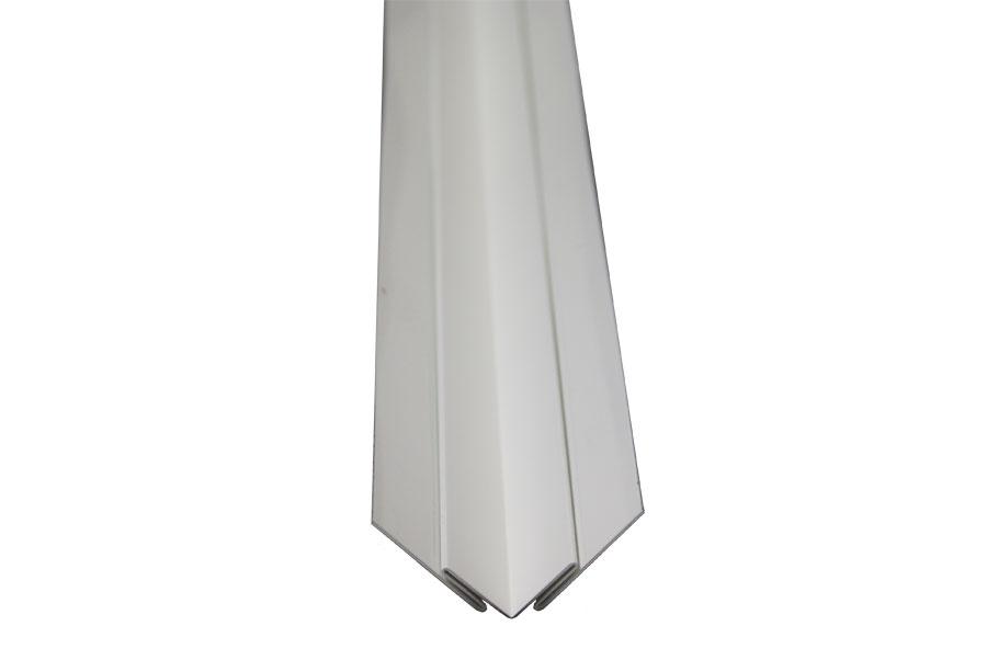 Metal corner molding